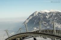 Die Kreuzeckbahn vor der Bergkulisse
