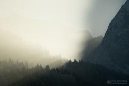 Die Sonne verschwindet hinter dem Waxenstein...